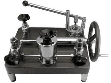 YJY-600A压力表校验器(0~60MPa带手揿泵)